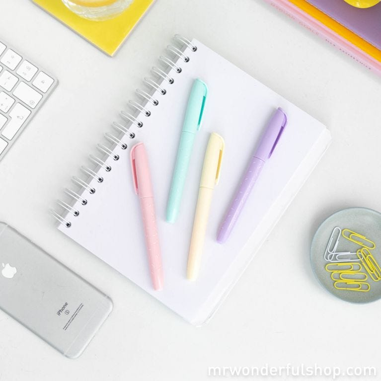 Highlighter set to make your notes shine even brighter