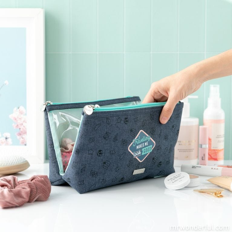Double toiletry bag - Travelling makes me look good