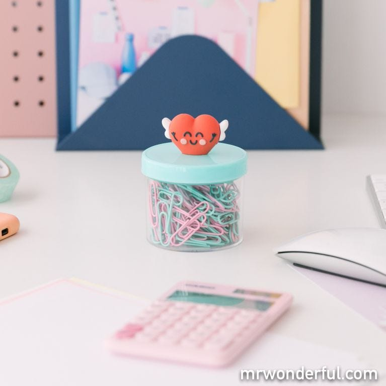Box of paper clips – Heart