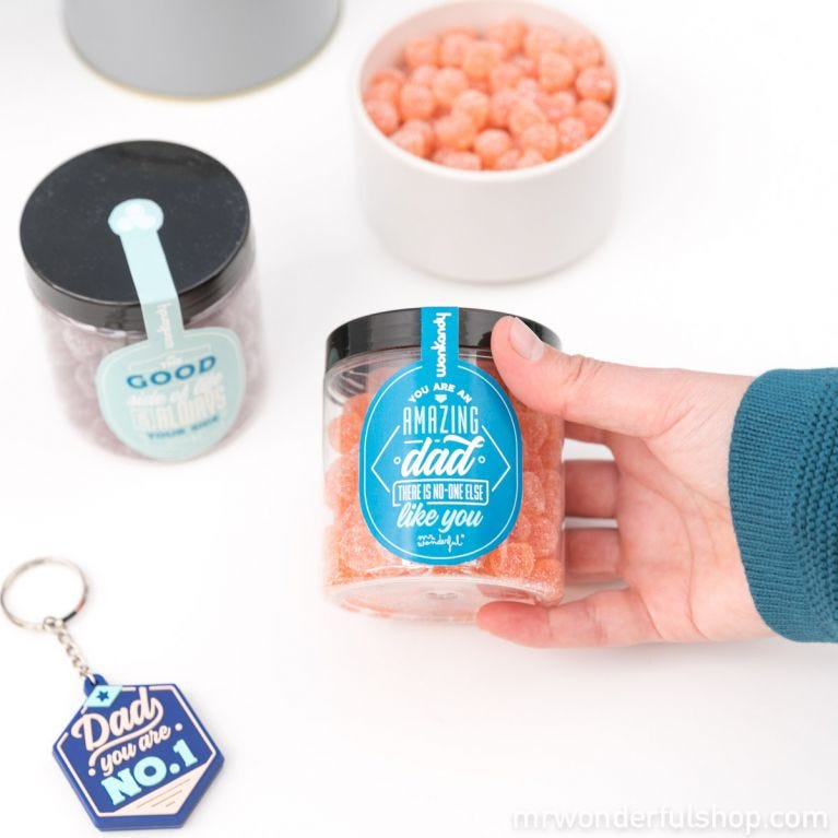 Keyring and sweets set for dads